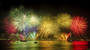 fireworks-iStock_000040749354_Large